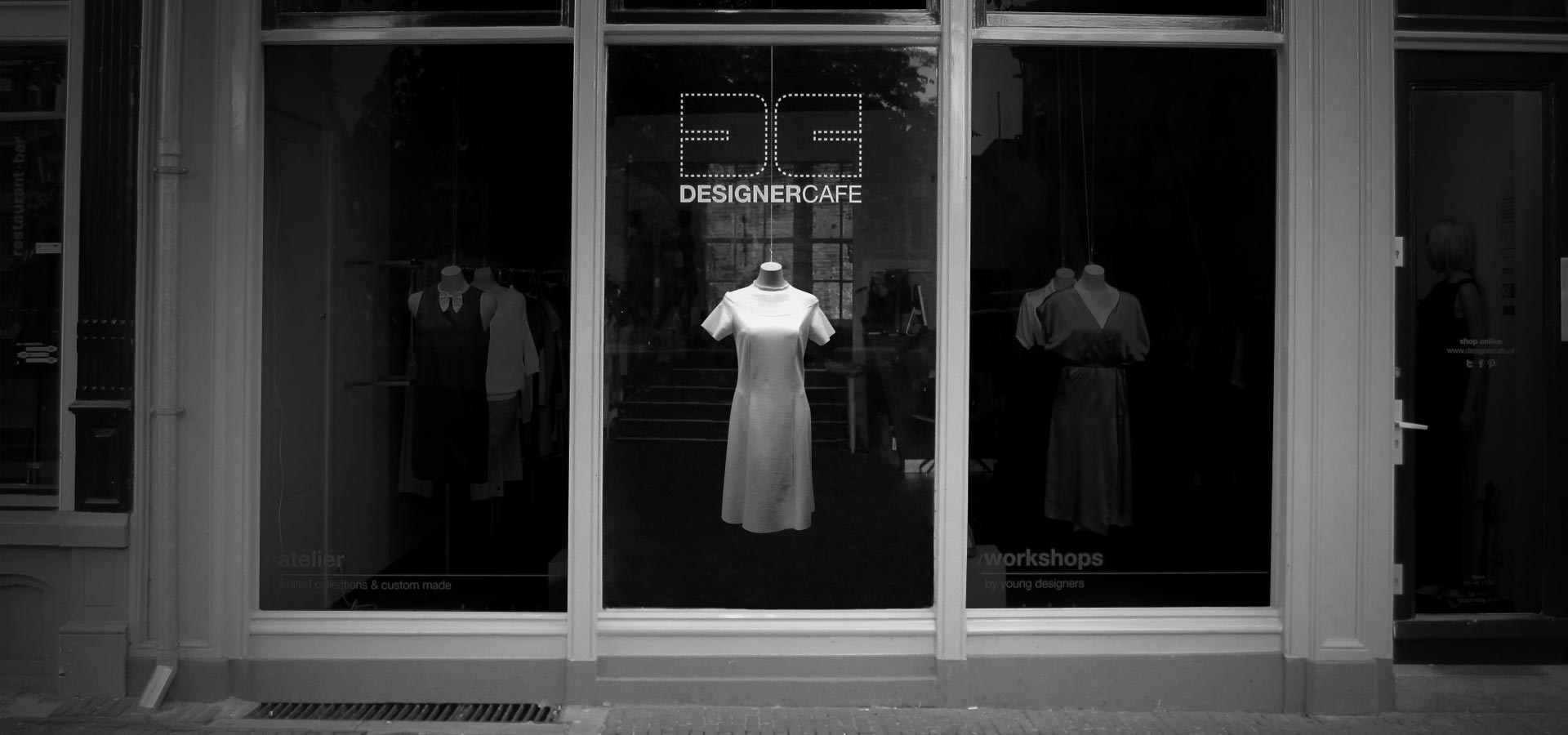 A black and white image of the interactive dress, designed by Mr.Beam studio for the Designercafe